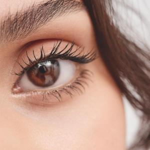 The Lengthening Mascara