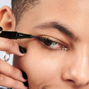 The Dot Pen Eyeliner